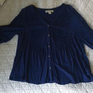Blue blouse with lace sleeves